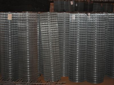 Сетка металлическая ячейка 50х50х1.8 в рулоне