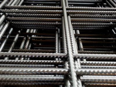 Сетка металлическая ячейка 100х100х12 мм в картах