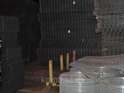 Сетка черная 50х50х1,8 мм в рулонах